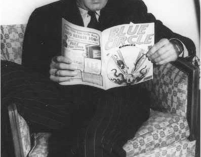 Humphrey Bogart reads Blue Circle vs adolf