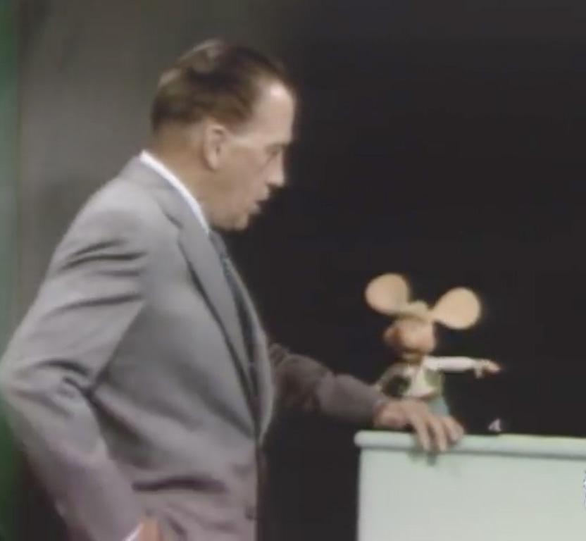 Nemo propheta in patria: Topo Gigio on The Ed Sullivan Show